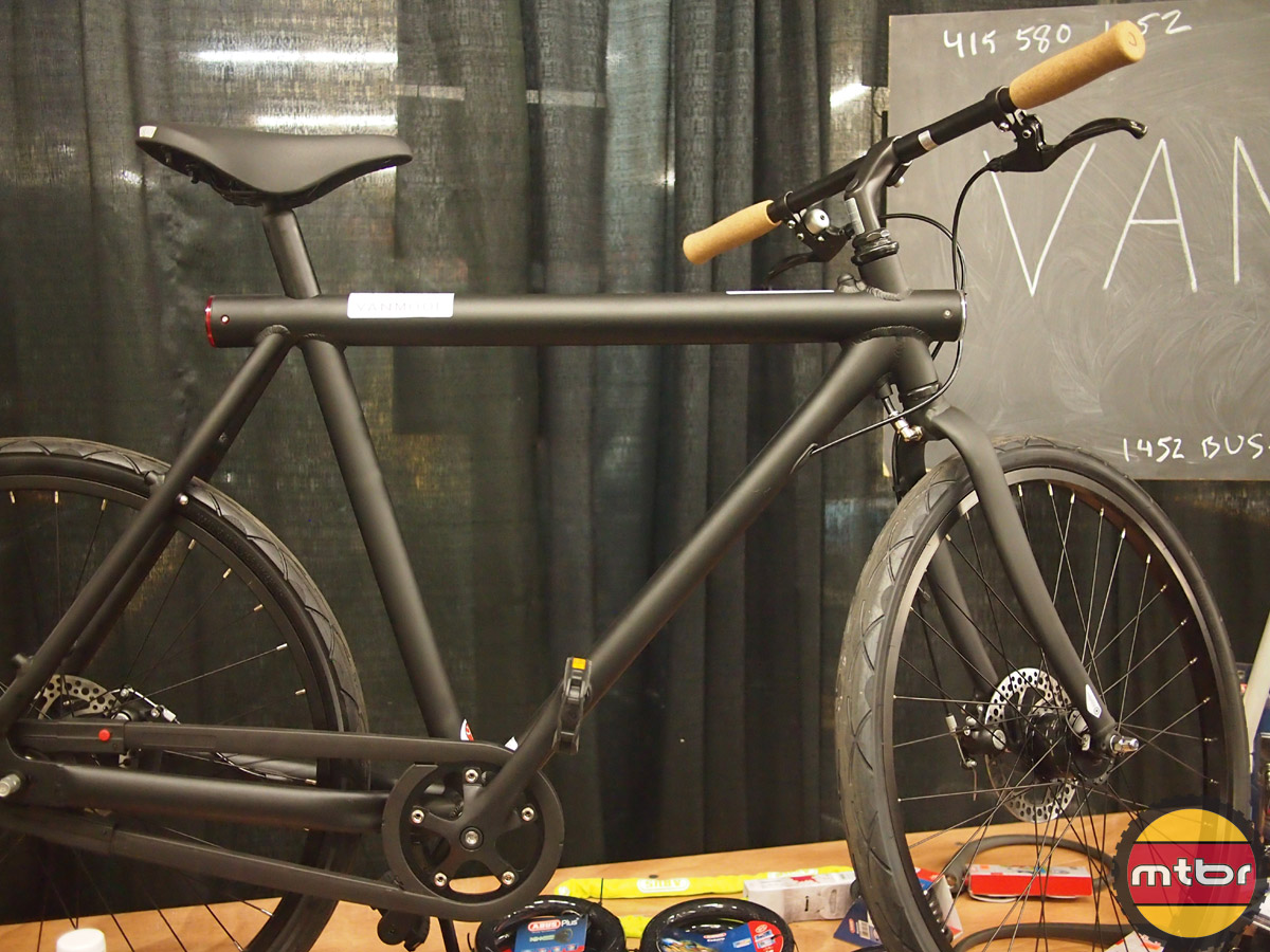 Vanmoof commuter bike with disc brakes