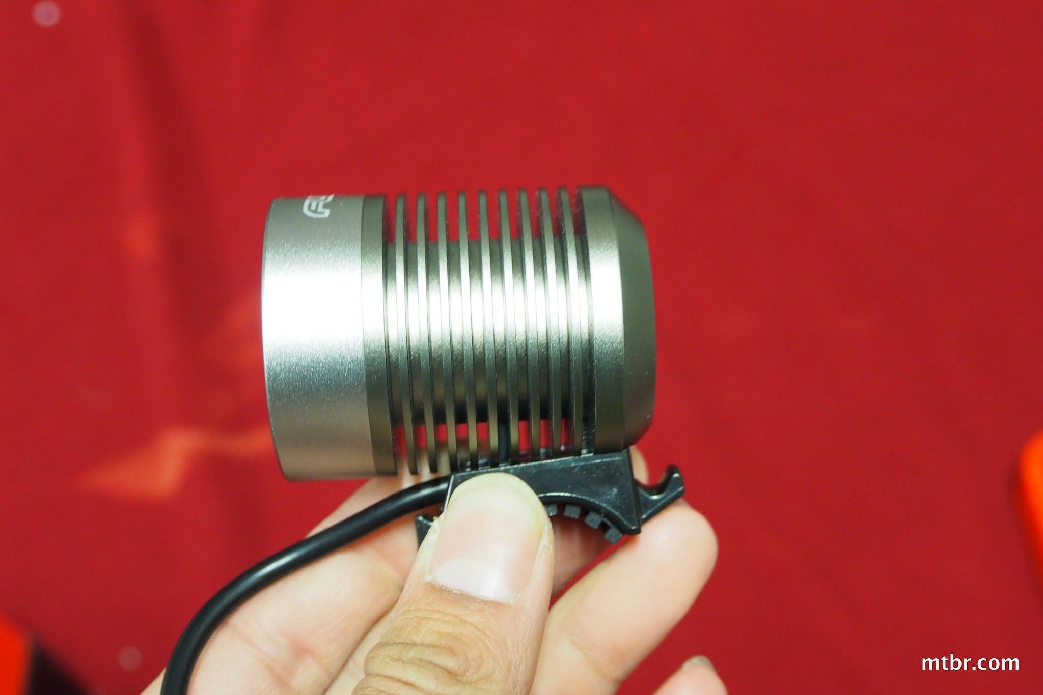 Fluxient 4xR5 1600