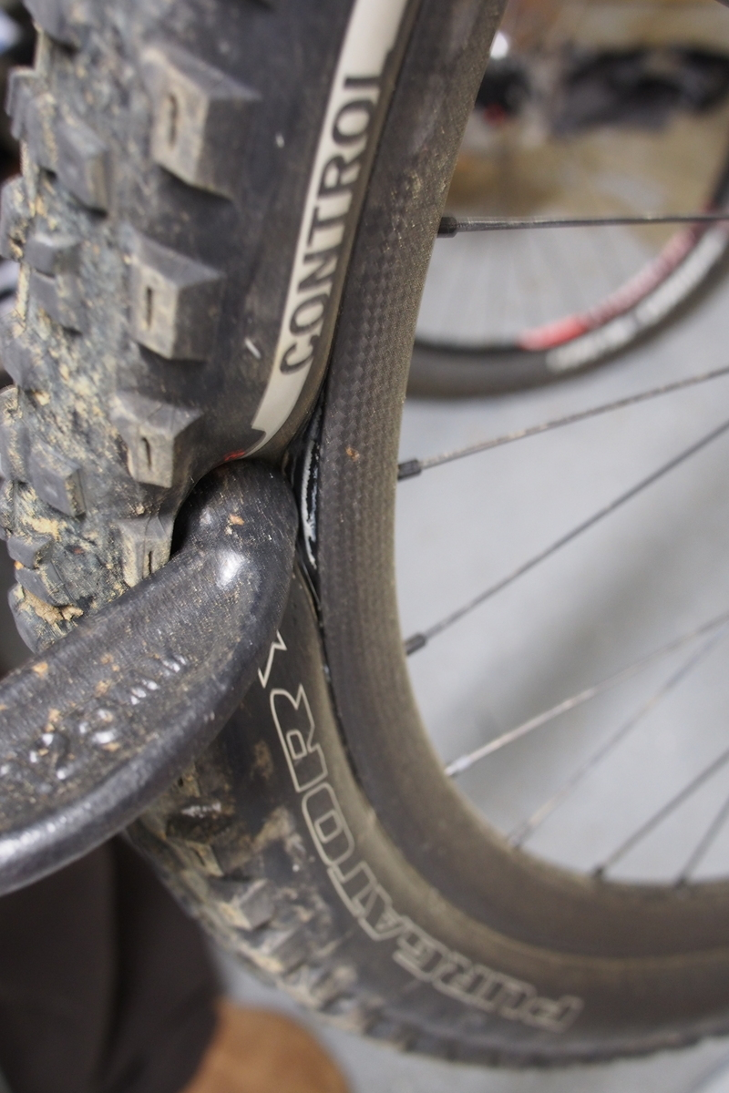 Specialized Carbon Control  C clamp tubeless test
