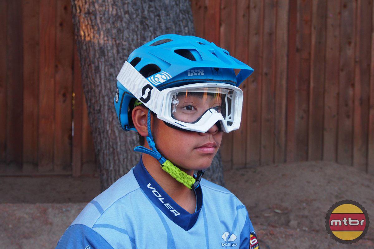 Review Ixs Trail Rs Helmet Mtbr Com Page 2