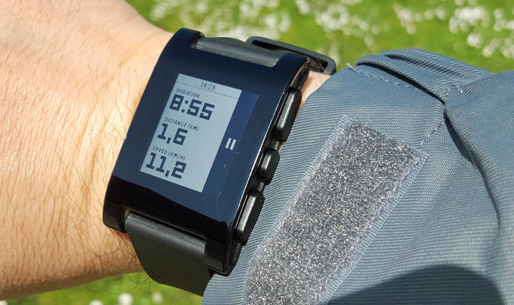 Smartwatch mainly for strava integration-pebble-strava-infoscreen.jpg