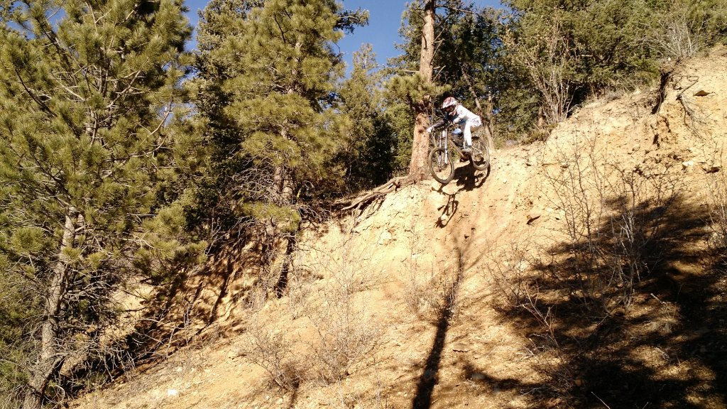 Guerrilla Gravity - Pedalhead-phil-cliff-drop-small.jpg