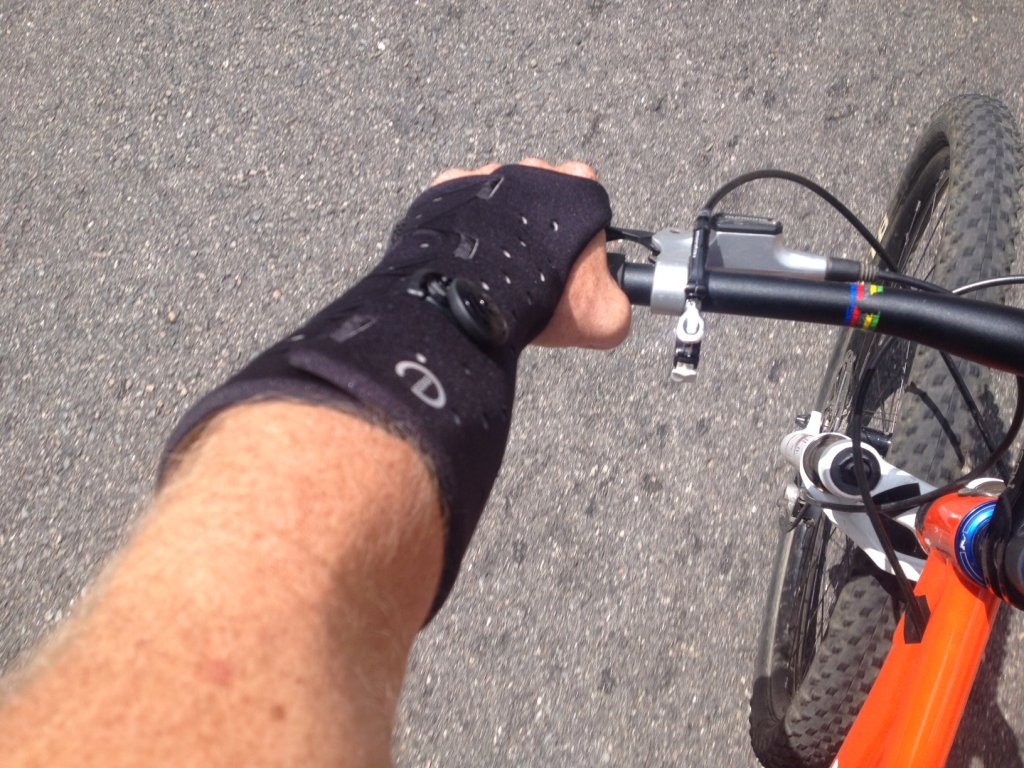 Fractured hand and riding with a cast-photo-1-3-.jpg