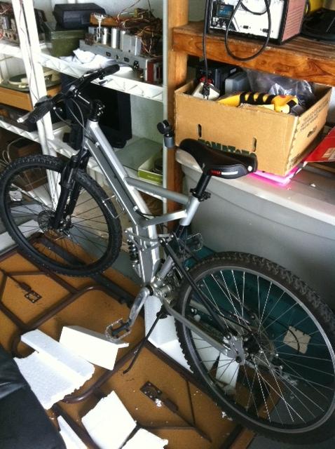 Mongoose mountain bike Experts Please Identify !-photo-1-.jpg