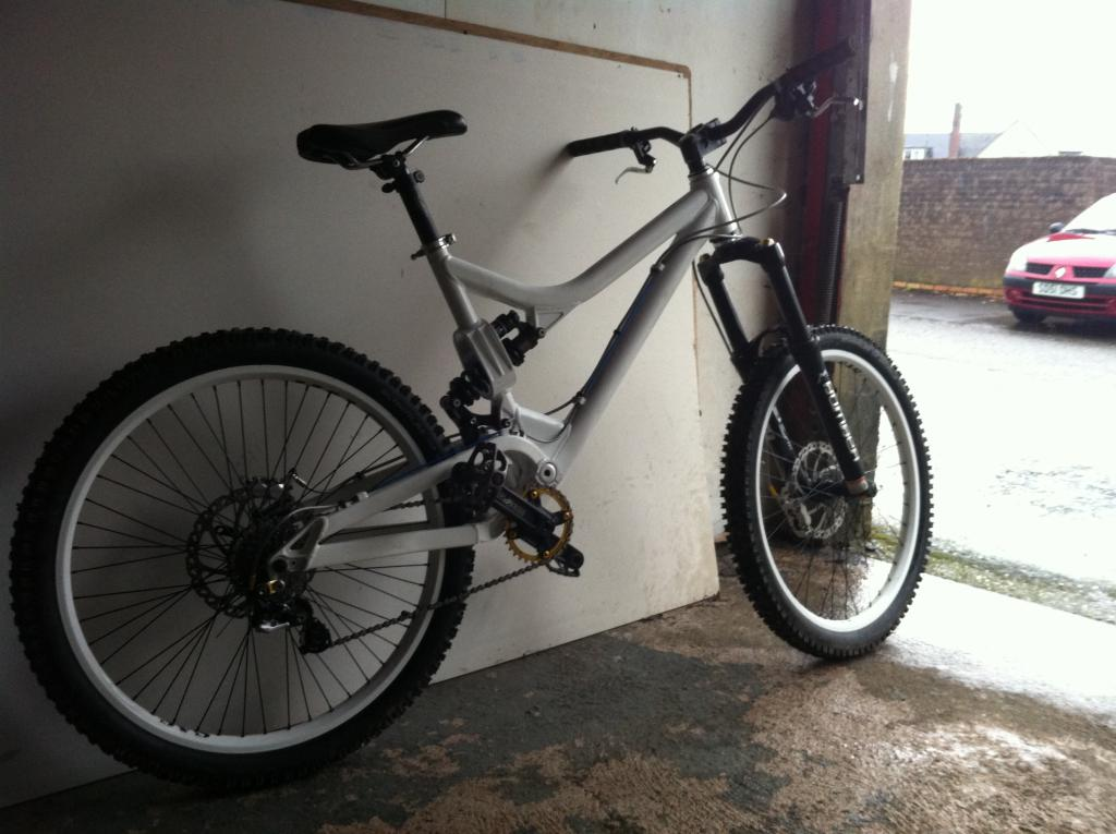 Post a pic of your Commencal!-photo-2-1.jpg