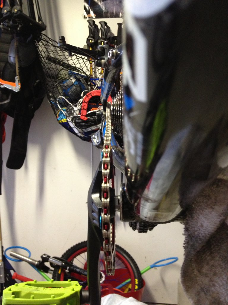 Need help installing a new Sinz bottom bracket-photo-2.jpg