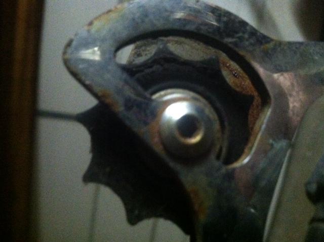 Do worn rear derailleur pulleys wear out your chain ?-photo-3-.jpg
