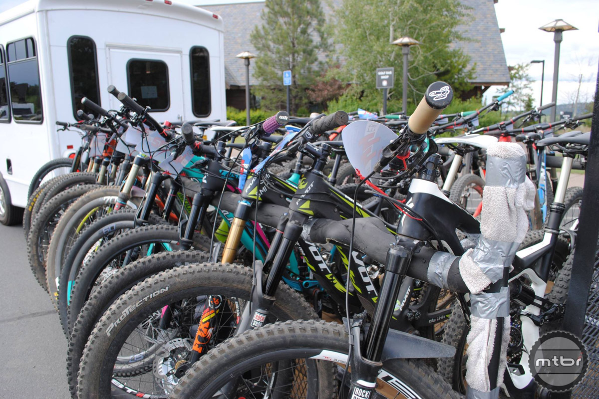 The Cog Wild shuttle was fully loaded to get the 23-rider women's field to the start.