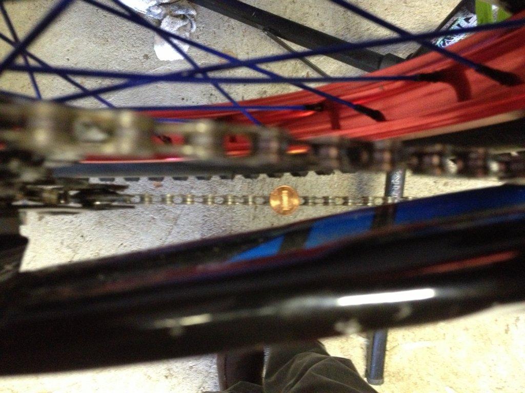 Need help installing a new Sinz bottom bracket-photo-4.jpg