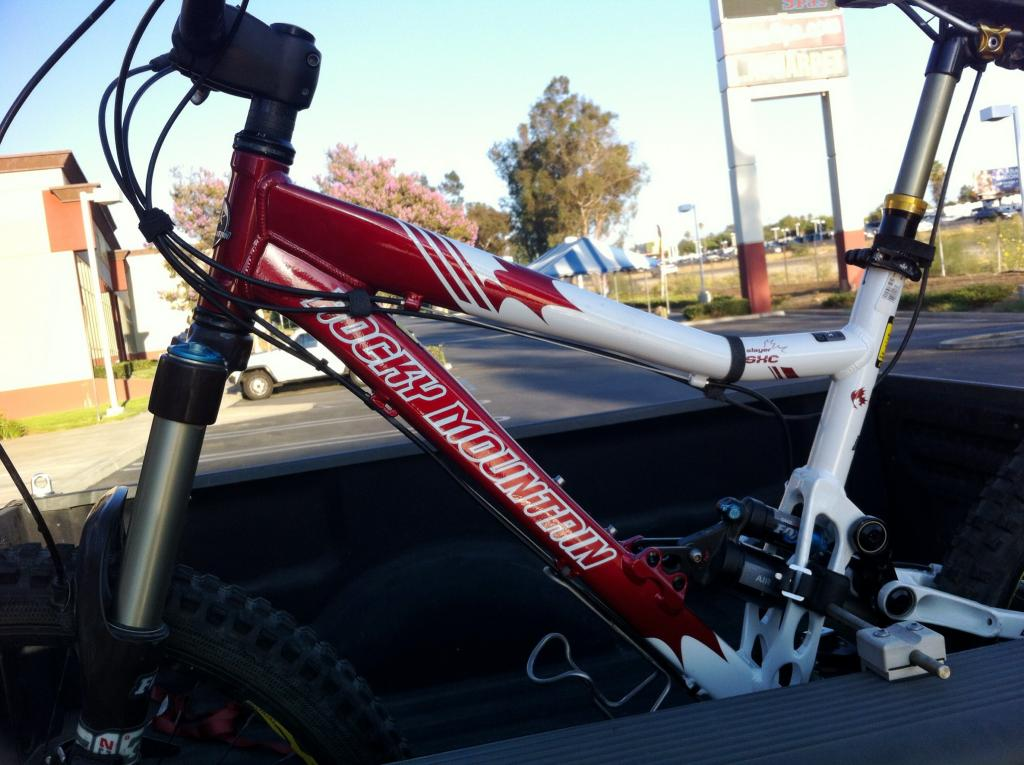 Happy Birthday to Me-Slayer SXC cracked frame replacement-photo-5.jpg