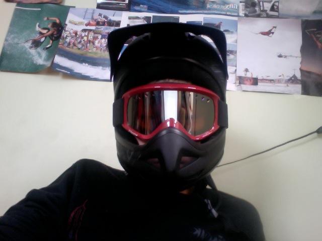 New helmet and goggles (winter am setup)-photo-2010-01-02-14.09.jpg