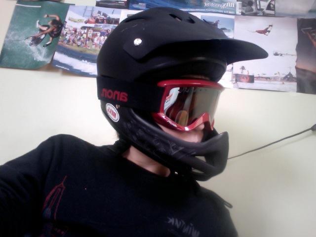 New helmet and goggles (winter am setup)-photo-2010-01-02-14.10.jpg