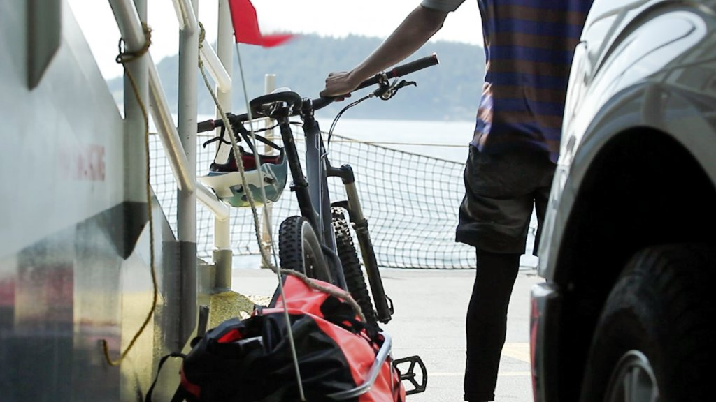 Trailing Off - Island Singletrack. Ryan Hassert And His Nimble 9-photo1.jpg