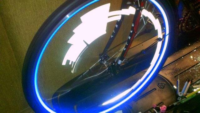 Reflective Wheel Stripe Stickers-photobucket-5591-1330789873733.jpg