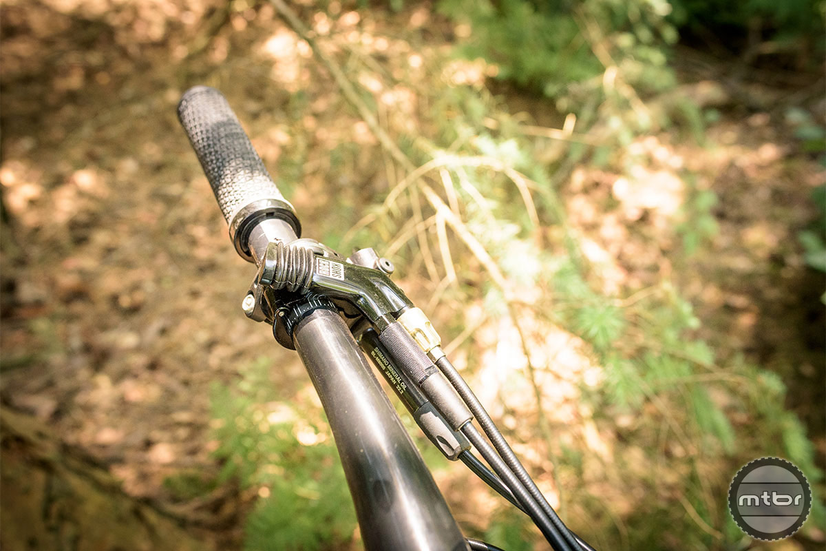 Trek Top Fuel 9.8 SL single lever remote lockout for both fork and damper. Photo by Jeroen Tiggelman