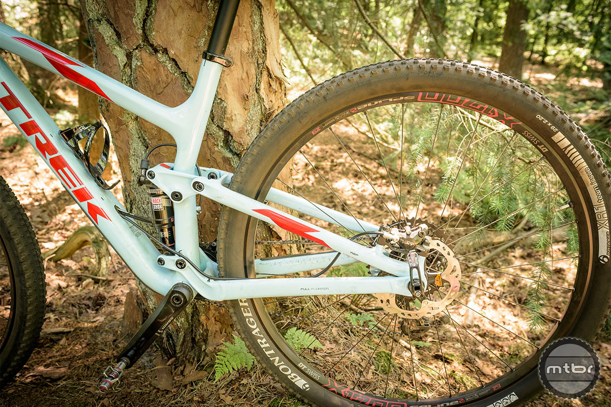 Trek Top Fuel 9.8 SL rear triangle with the Full Floater suspension, Active Braking Pivot and EVO link. Photo by Jeroen Tiggelman