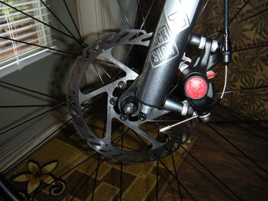 Hydraulic and mechanical brakes on the same bike.-photos-laura-450.jpg