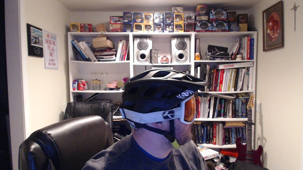Anybody wearing an IXS Trail RS helmet?-picture-6.jpg