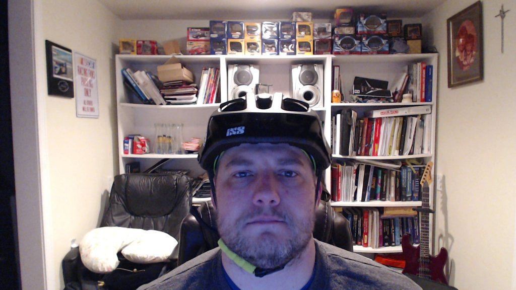 Anybody wearing an IXS Trail RS helmet?-picture-7.jpg