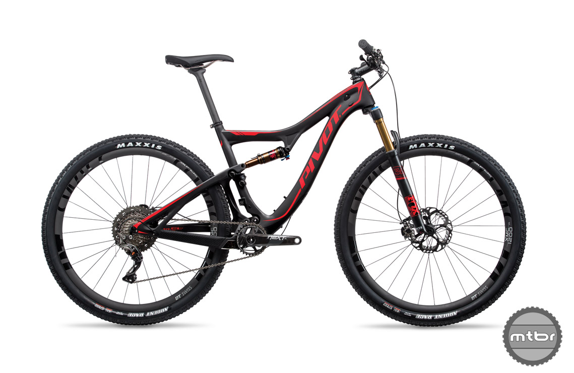 The top of the line models are available with either SRAM Eagle of Shimano Di2. The entry level build features a smart blend of Shimano SLX and XT components.