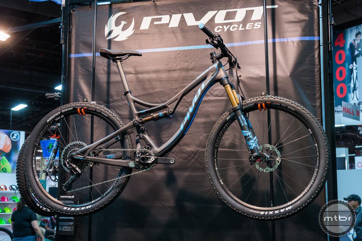 Pivot Mach 4 Carbon