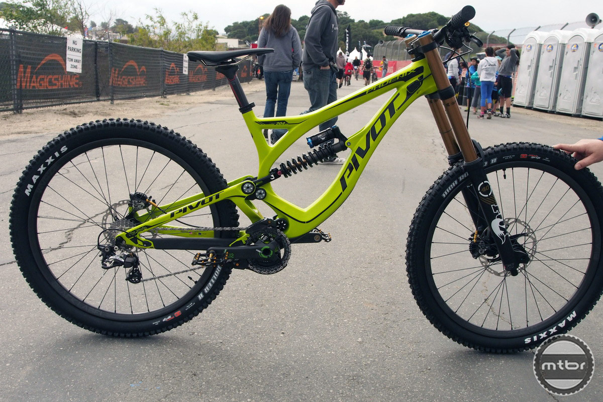 Pivot Phoenix 27.5 Downhill Bike