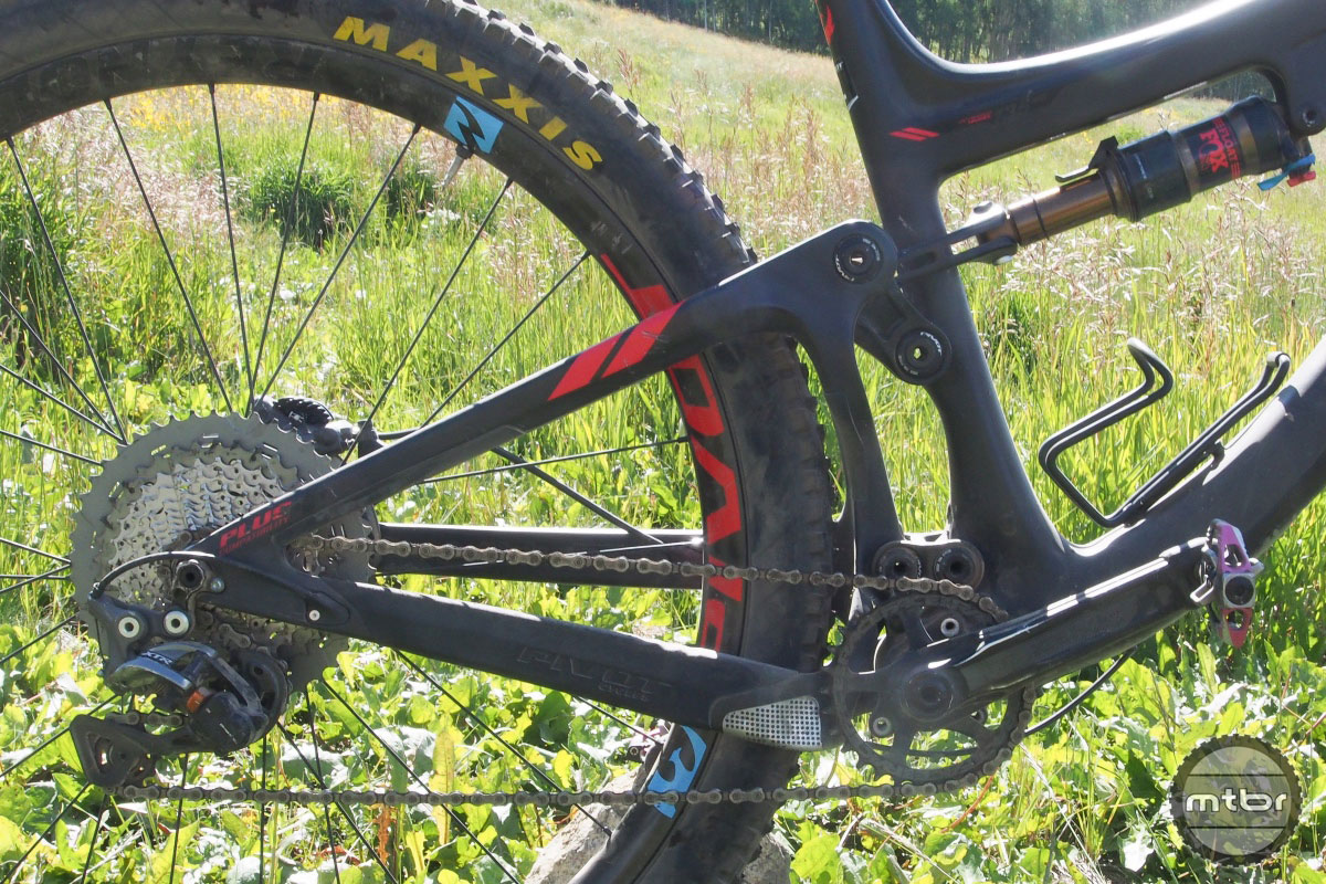 Outerbike Test Sessions: Pivot Switchblade