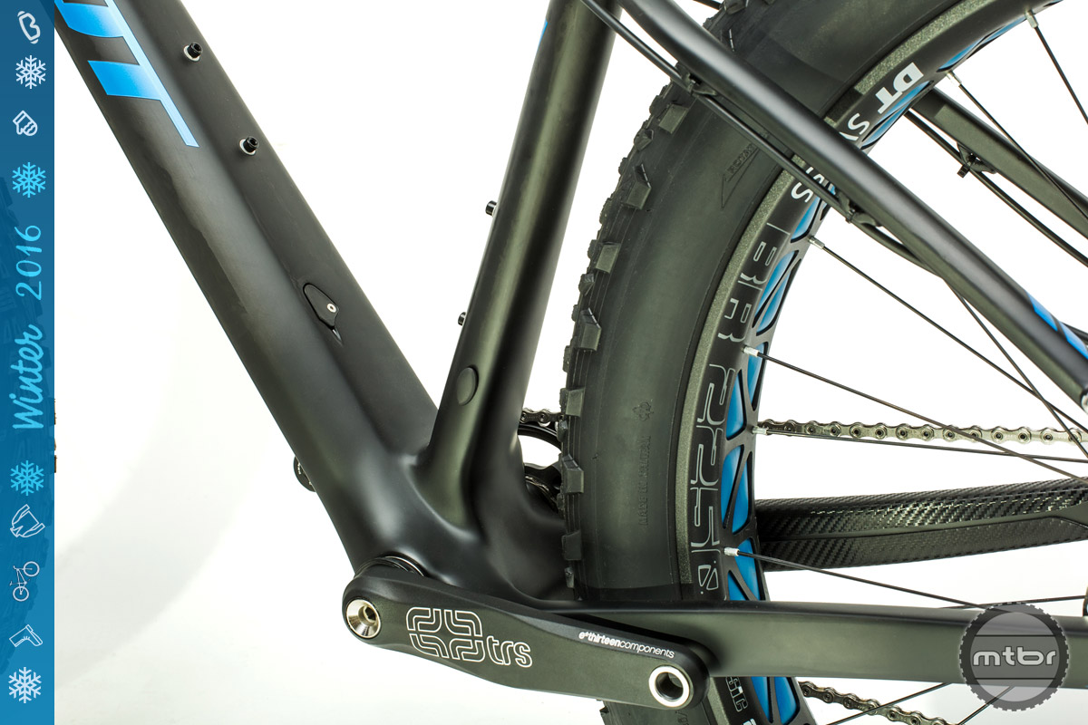 Massive downtube and chainstays enhance pedaling efficiency.