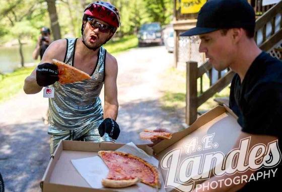 Pzza Handup