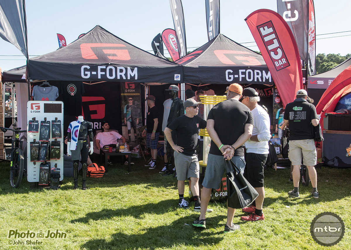 G-Form Sea Otter Booth