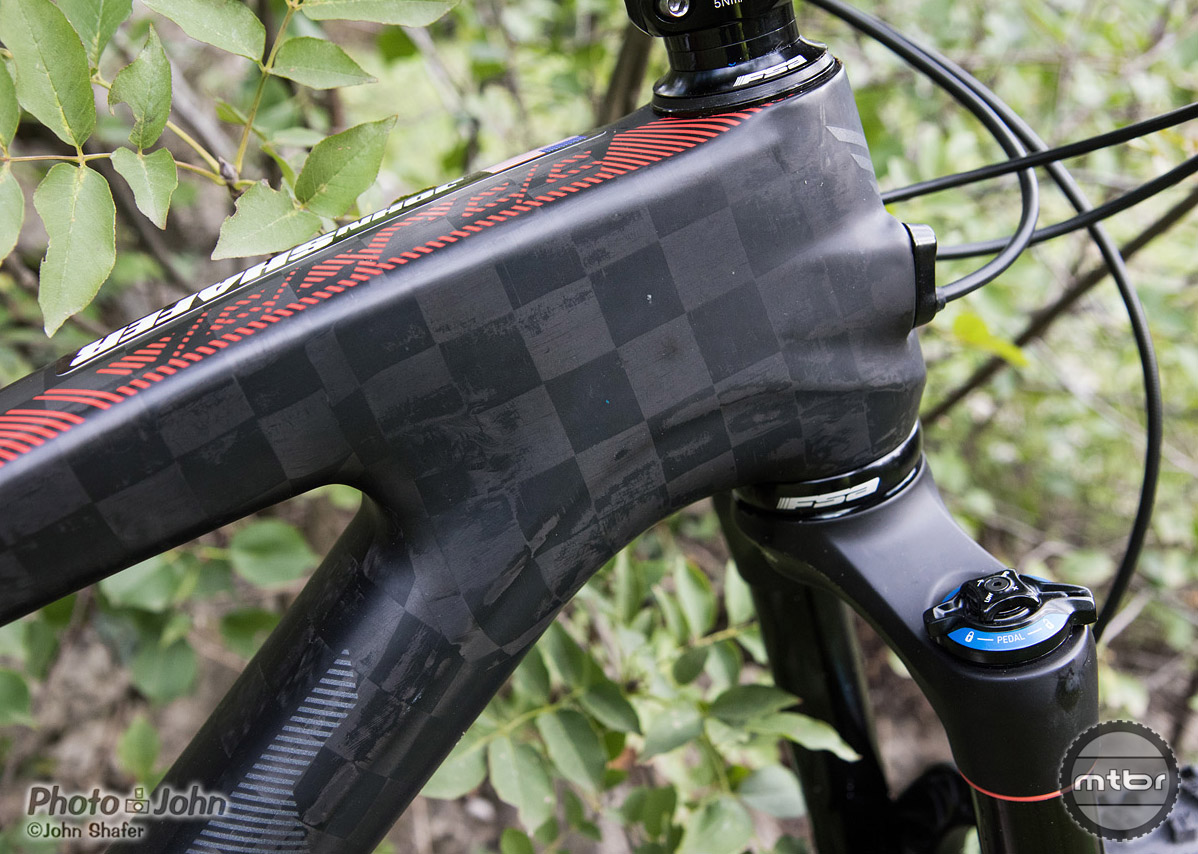 Felt Decree trail bike TeXtreme carbon fiber detail.