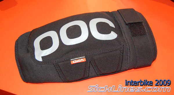 Best peddle friendly knee pads ( RF dig v Fox launch)-poc_2009_interbike11s.jpg