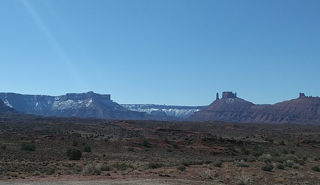 Current Conditions around Moab-porcsnow.jpg