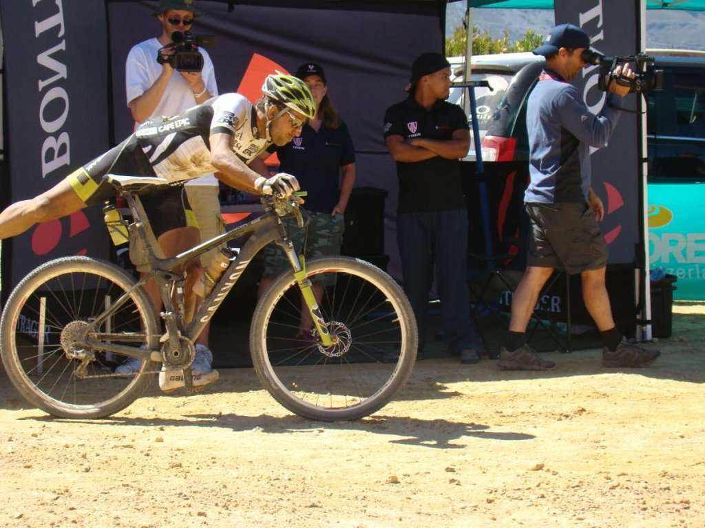 Absa Cape Epic - Teams and Outcast Riders-post-13140-0-59962600-1363695998.jpg
