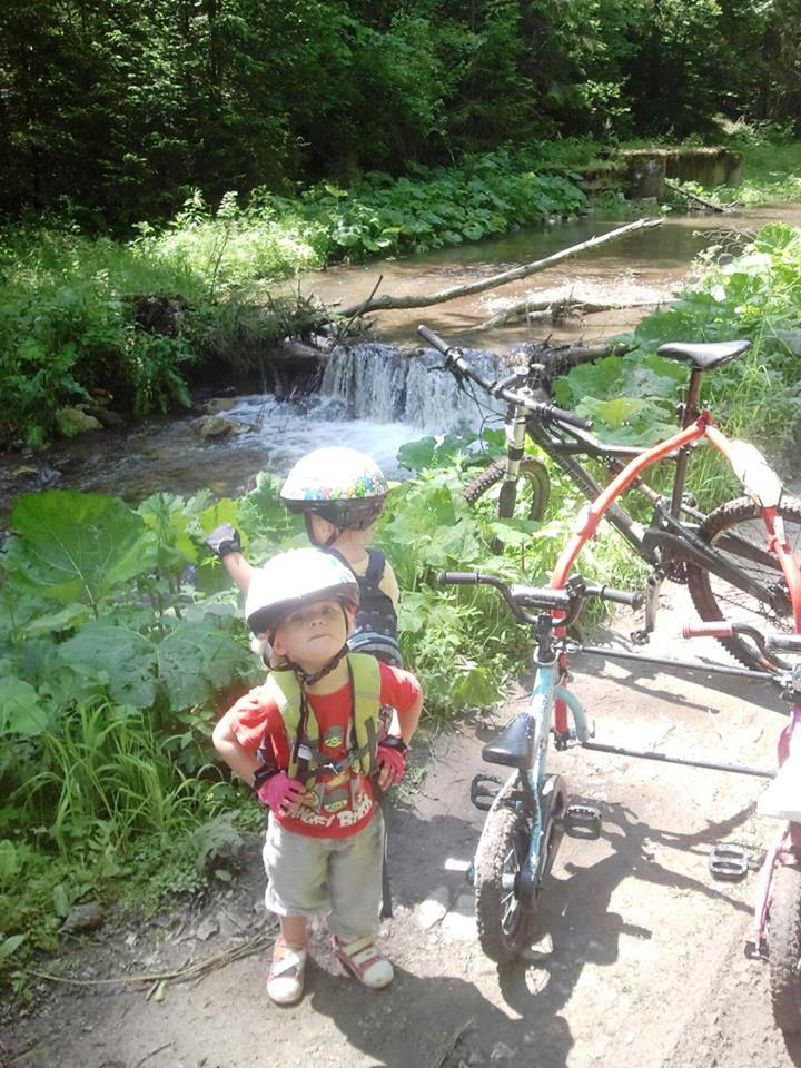 Kid's Mountain or Road Bike Ride Picture Thread-prac-twins.jpg