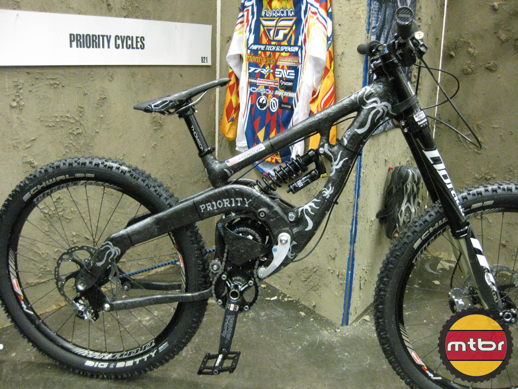 Priority Cycles carbon DH