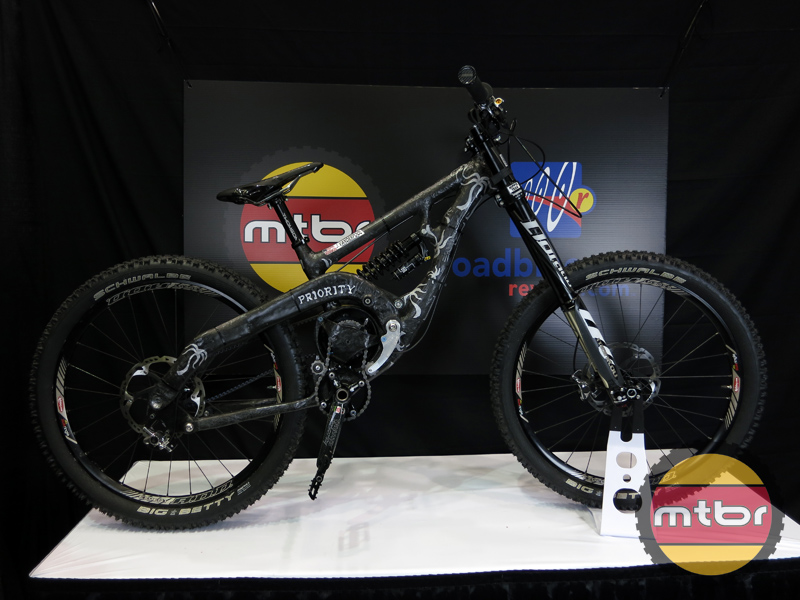 Priority Cycles - DH prototype carbon race bike