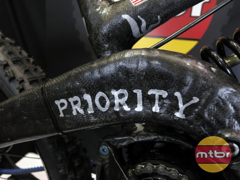 priority-swingarm