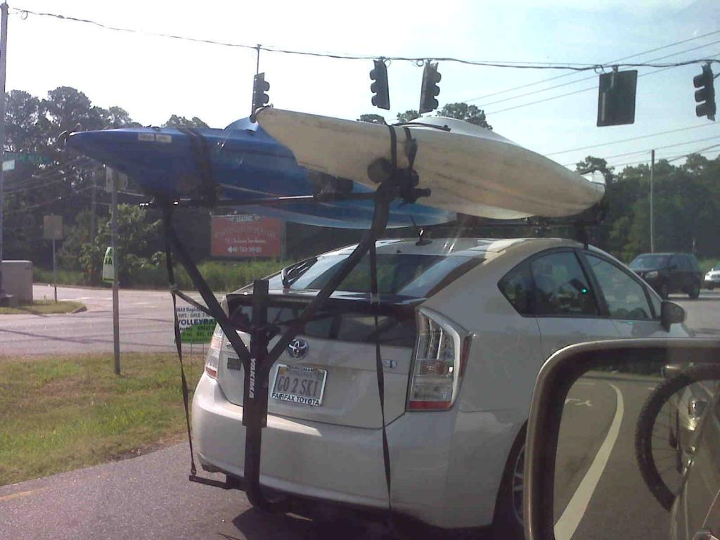 First-time buyer...Raxter?-prius-rack.jpg