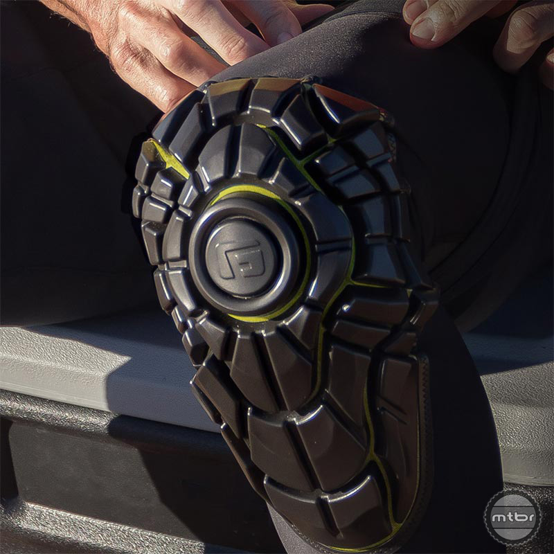 G-Form Elite Protection
