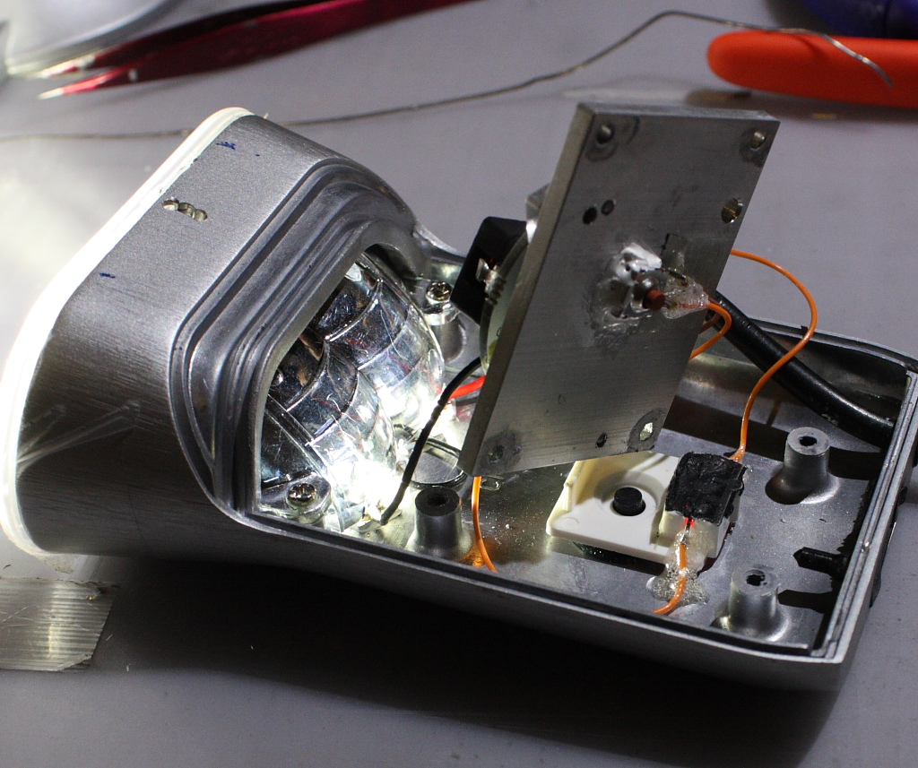 Mission Impossible:  XML conversion for the Philips SafeRide (parts 1 through 5)-psr_status_led_closed_led_on.jpg