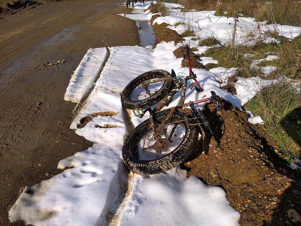 Global Fat-Bike Day. Congratulations from the Russian fat-bikers community.-qfeibra2n48.jpg