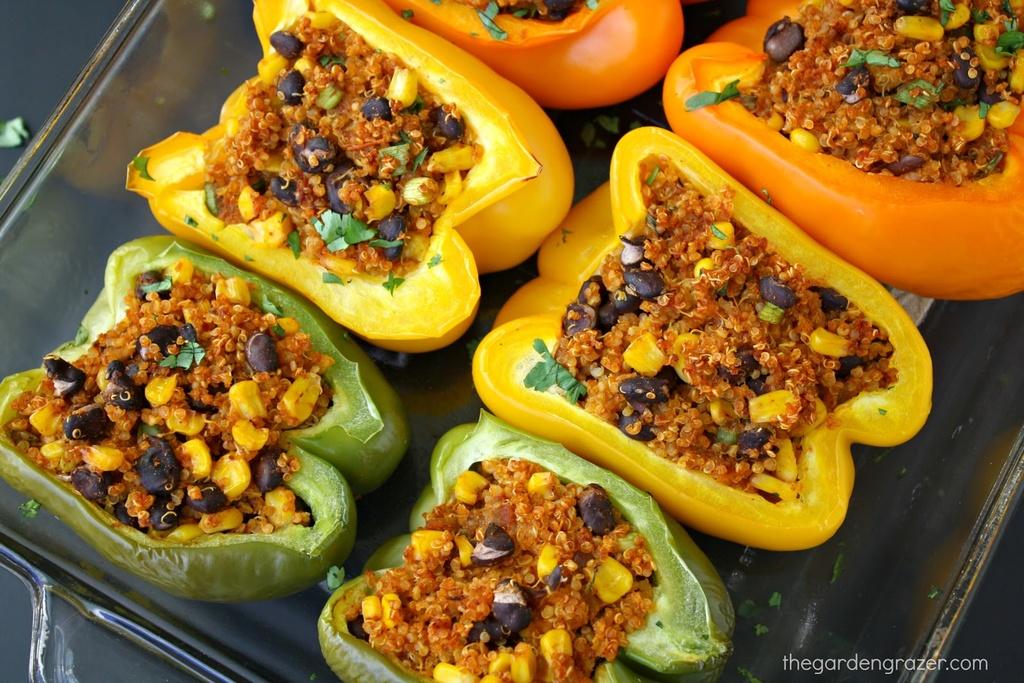 Vegetarian / Vegan / Raw recipes & chat-quinoapeppers2.jpg