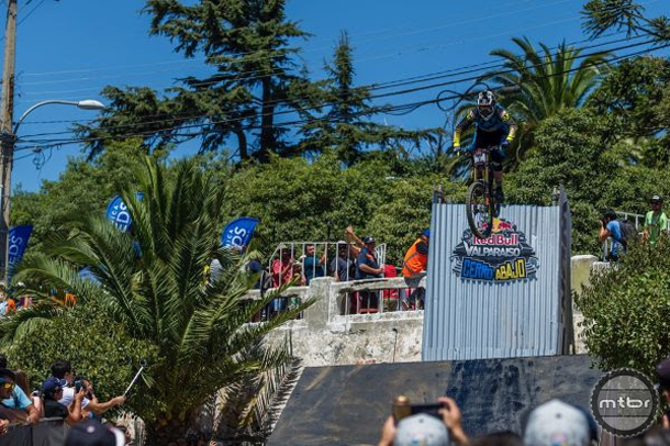 Race Run Valparaiso, Chile Extreme Downhill Bingelli