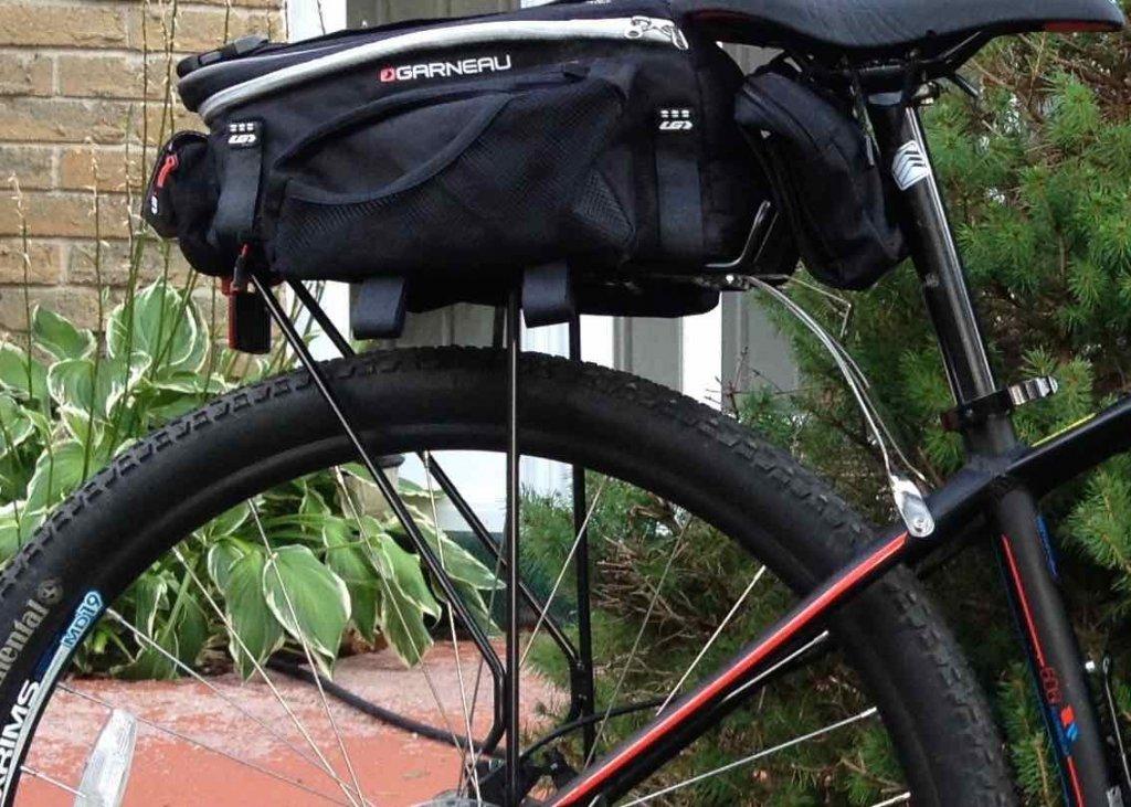 Fenders 'n rack, or no fenders 'n rack-racknbag.jpg