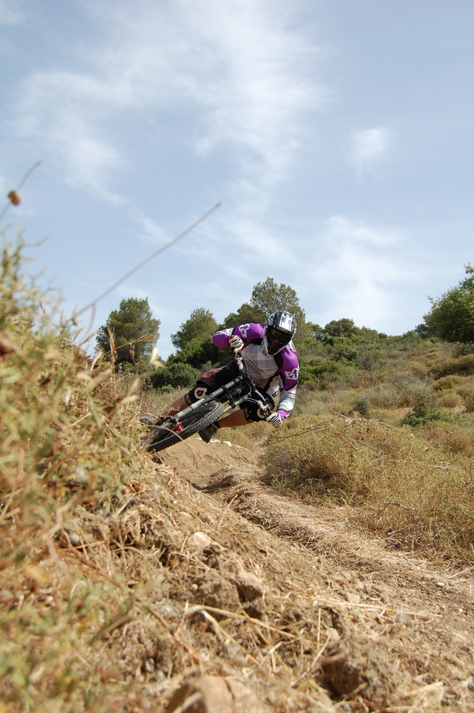 The Morewood Zuza Action Pic Thread-railing-berms.jpg