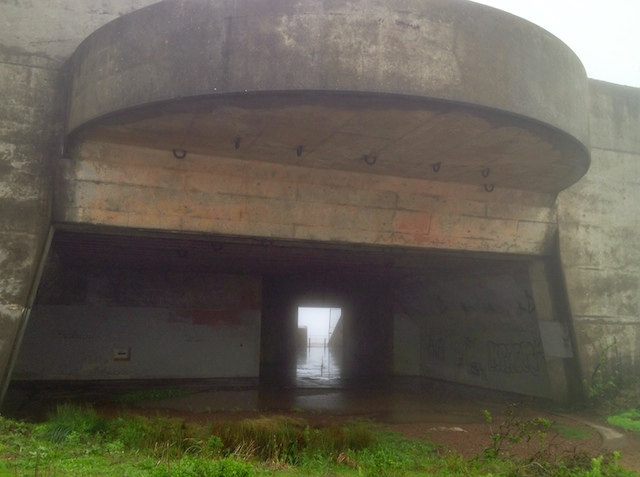 Quick Roadie between cells-rainy-day-dec-1-2-2012-8.jpg