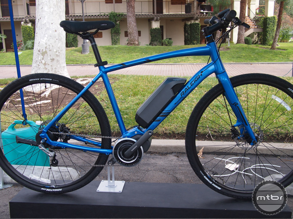 Read the complete write-up of the Raleigh Misceo commuter bike with Shimano's STEPS drive system on RoadBikeReview.
