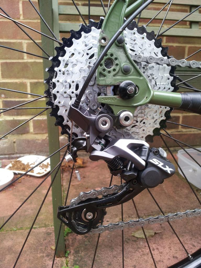 surly ogre-rear-axle.jpg