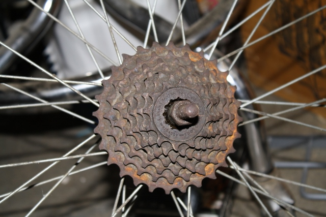 Rebuilding an old friend-rear-gear-640x427-.jpg